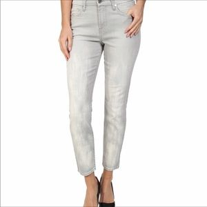 7 For All Mankind gray cropped skinny jeans | 27